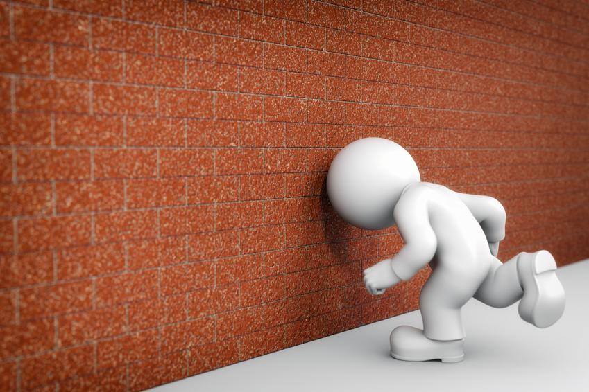Kopf durch die Wand